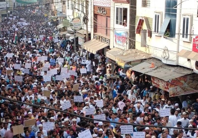 گزارش میدانی خبرنگاران از روزهای پرالتهاب هند؛ حضور صدها هزار معترض در خیابان ها (
